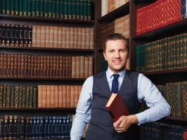 Lawyershutterstock_461666635